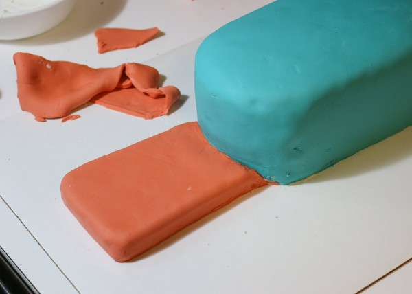 33-tail-fondant-trimmed-and-tucked