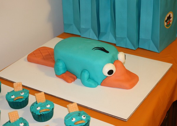 Making A Perry The Platypus Fondant Cake Catjuggling Com