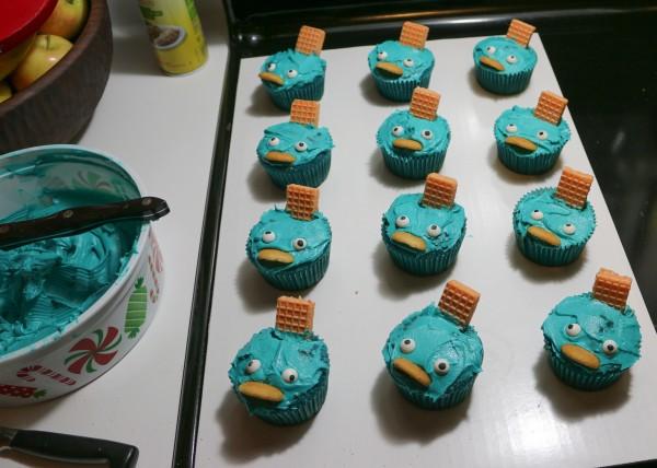 02-cupcake-army