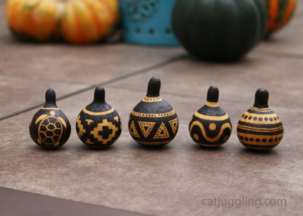 pyrography-spinner-gourds