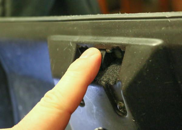 1997-civic-glove-box-latch-04